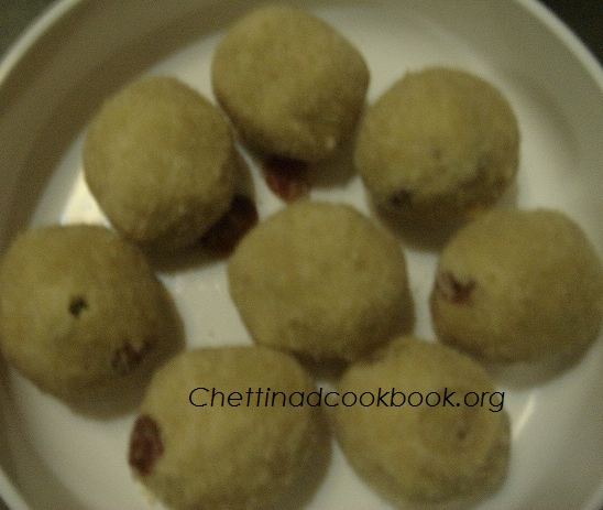 Aval / Flatten rice laddoo